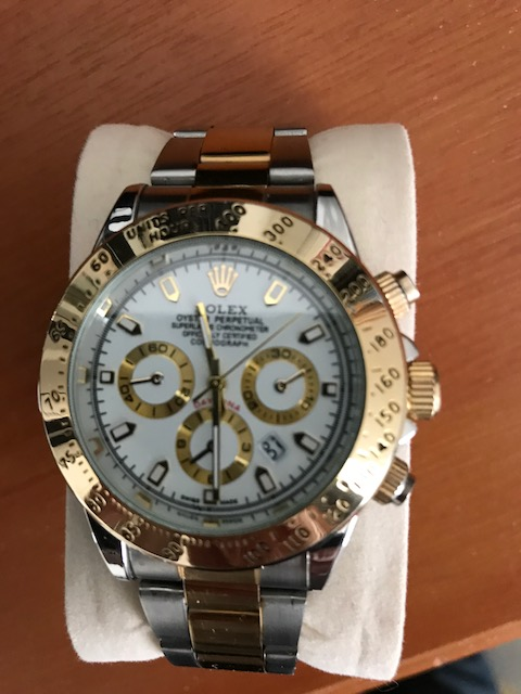bc9c9a5522c This two tone Replica Rolex Daytona watch was purchased from Aliexpress.com  for around £12 about 5 months ago. Although Aliexpress have stopped  allowing ...
