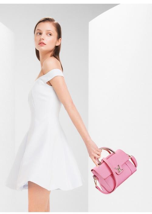 pink bag woman